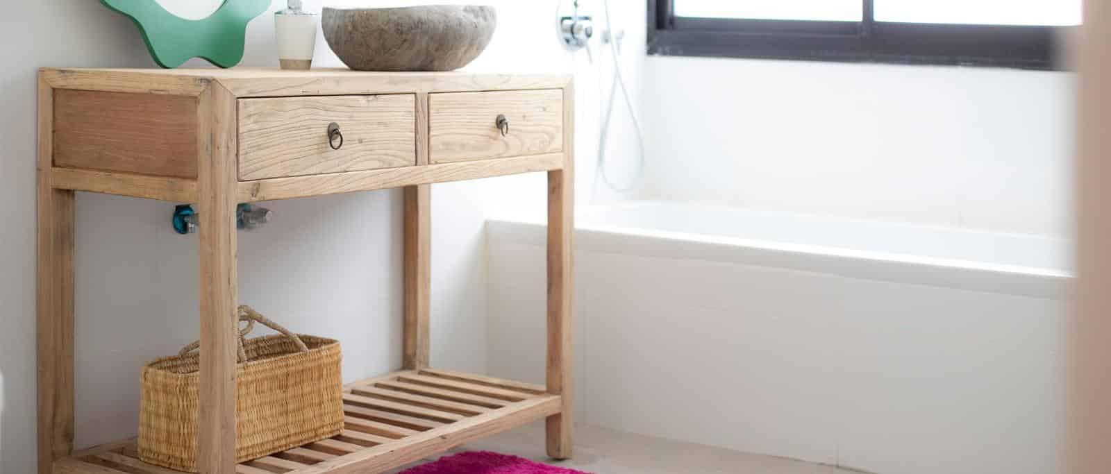 רהיטים ואביזרים לעיצוב מדליק בחדר הרחצה