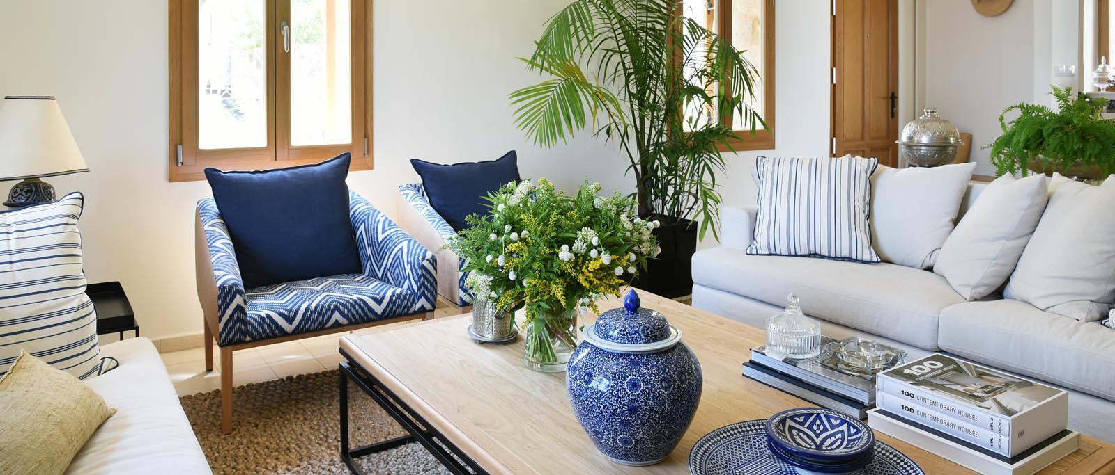 רהיטים בסגנון כפרי