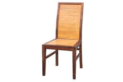 כסא אוכל מעץ ובמבוק