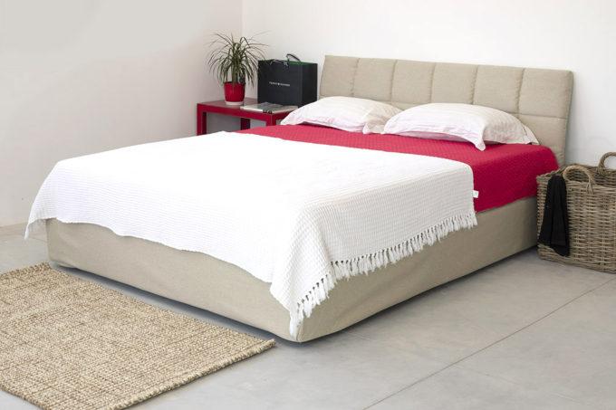 מיטה זוגית מרופדת איטליה