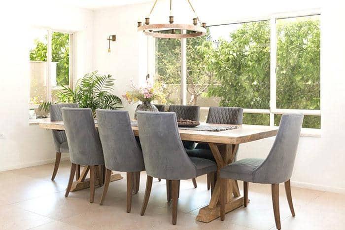 רהיטים מעץ מלא