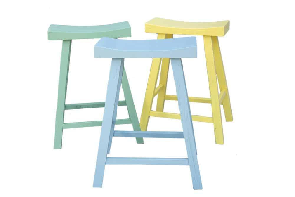 כסאות בצבעי פסטל לבחירה