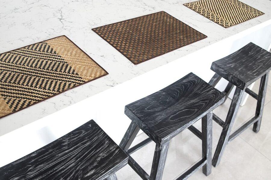 כסאות בר שחורים
