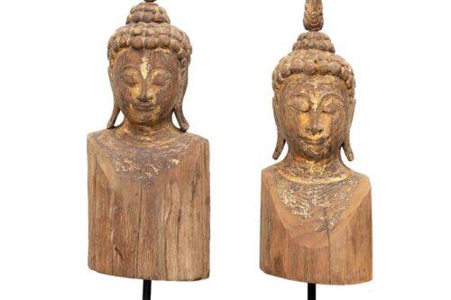 בודהה מגולפת מעץ