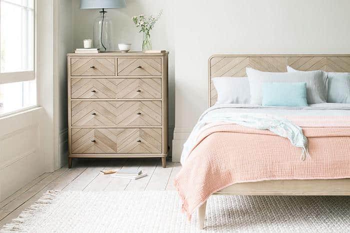 מיטה בסגנון סקנדינבי