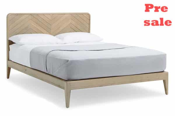 מיטה בסגנון נורדי מעץ