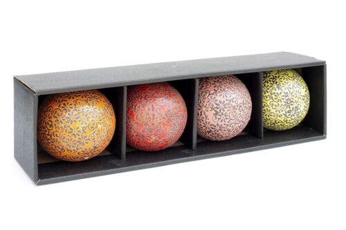 כדורים צבעוניים מקרמיקה