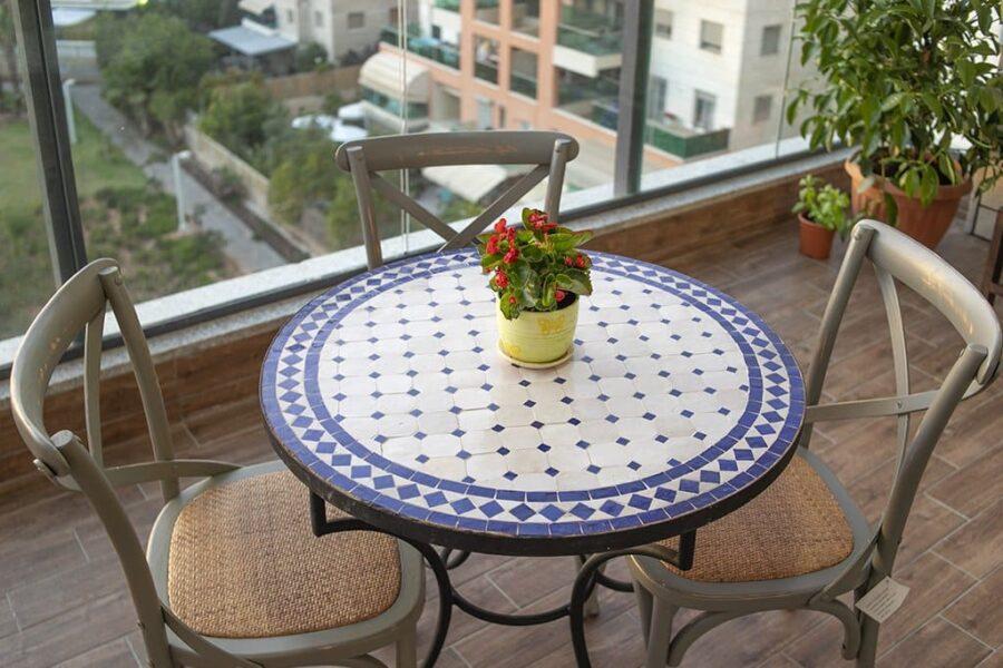 שולחן פסיפס למרפסת